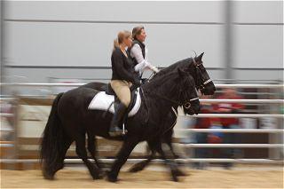 Susanna und Pearl auf der Partner Pferd 2008